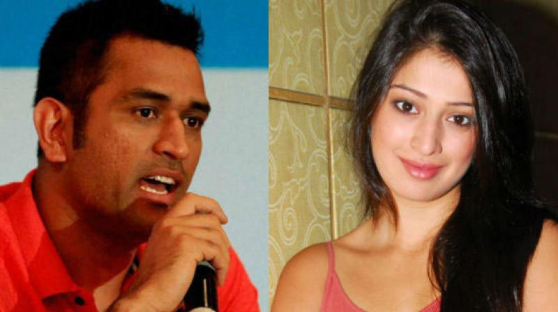 MS Dhoni and Raai Laxmi
