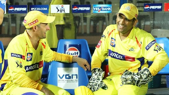 Mike Hussey backs MS Dhoni to continue playing for as long as he can