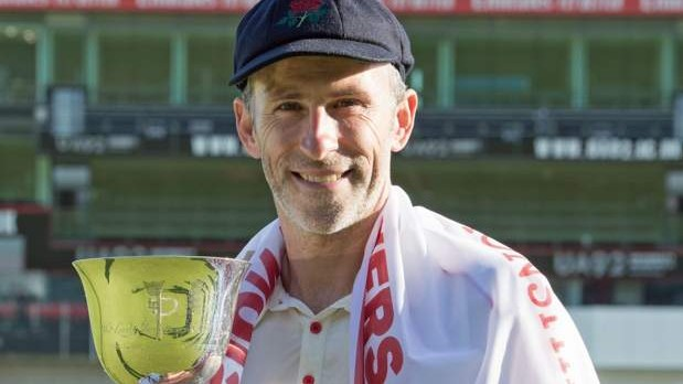 Graham Onions announces retirement from professional cricket