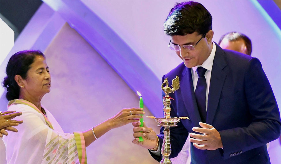 Mamata Banerjee wished a speedy after Sourav Ganguly suffered a mild heart attack | Twitter