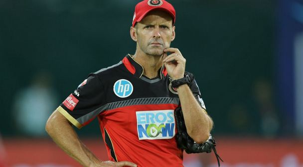 Gary Kirsten is reportedly unwilling to leave his job as RCB head coach | AFP