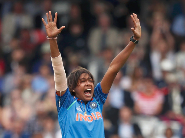 Cricket fraternity lauds Jhulan Goswami's amazing achievement of 200 ODI wickets