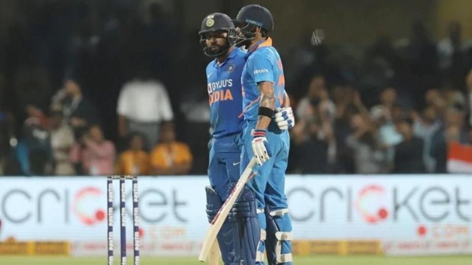 IND v AUS 2020 : तीसरे वनडे में ऑस्ट्रेलिया को 7 विकेट से हराकर भारत ने 2-1 से जीती सीरीज