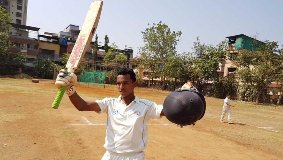 तनिष्क गावटे ने नवी मुंबई के स्थानीय क्रिकेट मैच में खेली शानदार 1045 रनो की खेली पारी