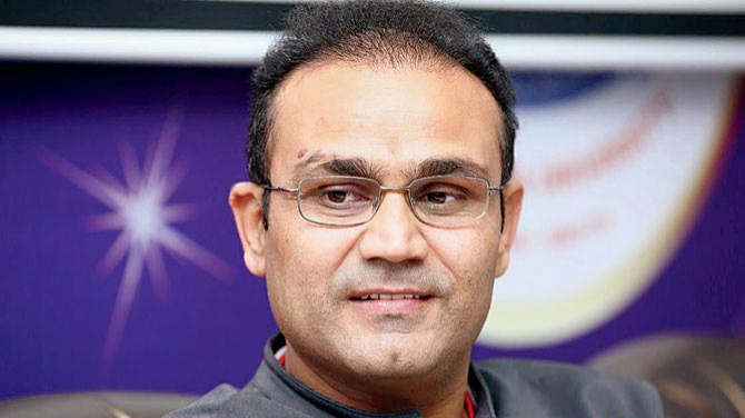 Sehwag reveals who had suggested Dhoni to bat above Yuvraj in World Cup Final