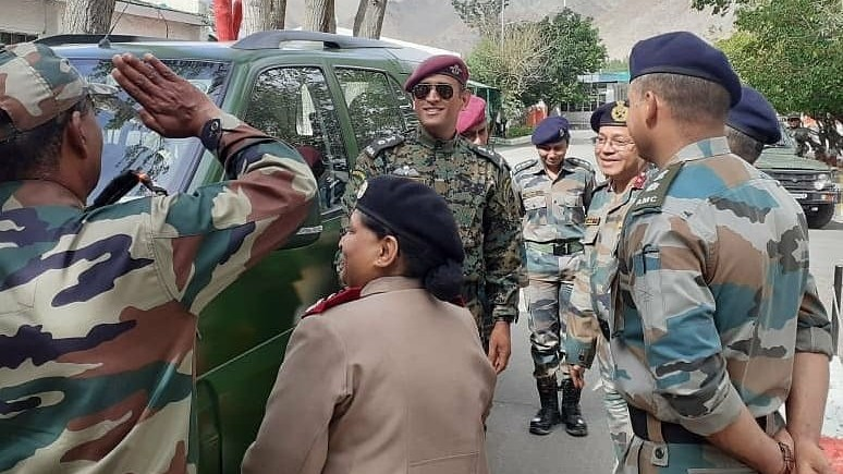MS Dhoni celebrates India's 73rd Independence Day with jawans in Ladakh