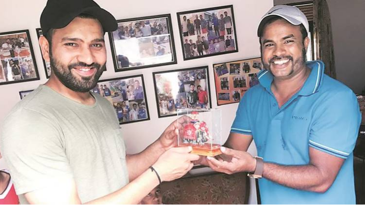 Nidahas Tri-series 2018: Rohit Sharma delights his die hard Sri Lanka fan by meeting him at his home