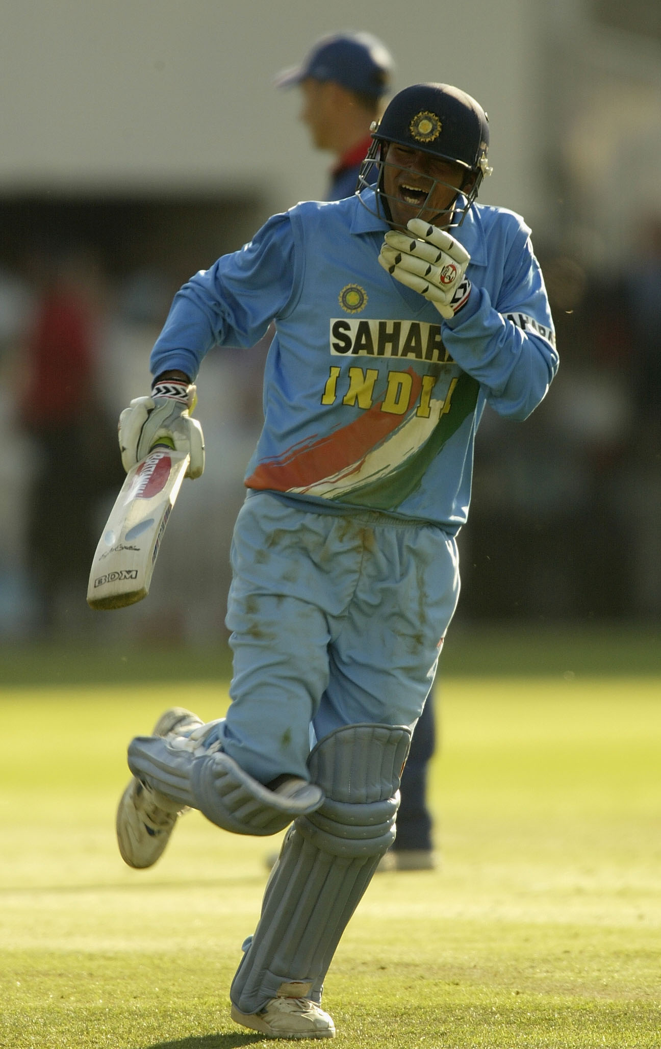 Mohammad Kaif celebrates India's victory in the Natwest Trophy final of 2002 | Getty
