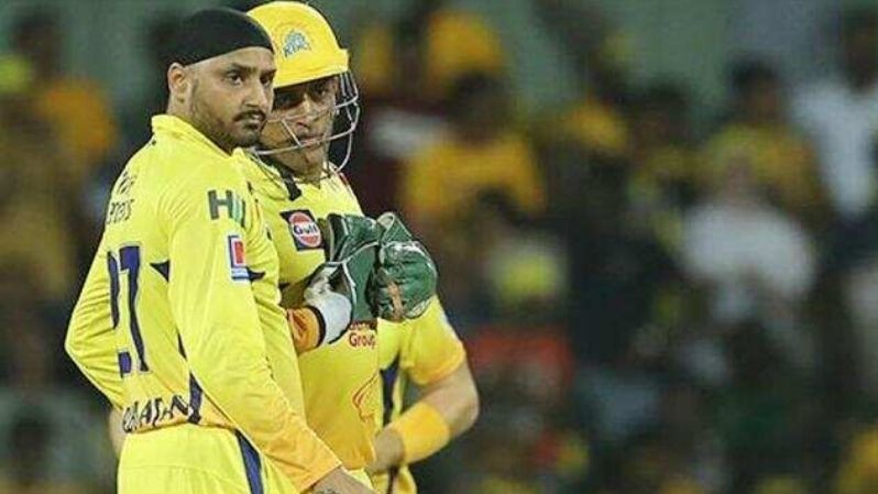 MS Dhoni instructs as captain only when you run out of ideas, says Harbhajan Singh