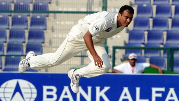 तनवीर अहमद के अनुसार कुछ पूर्व पाकिस्तानी क्रिकेटरों को बोर्ड में काम करने का मौका मिले तो, वह शौचालय में भी काम कर लेंगे