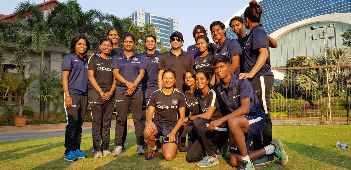 Member of Indian women's team clicking a picture with Sachin Tendulkar | Twitter