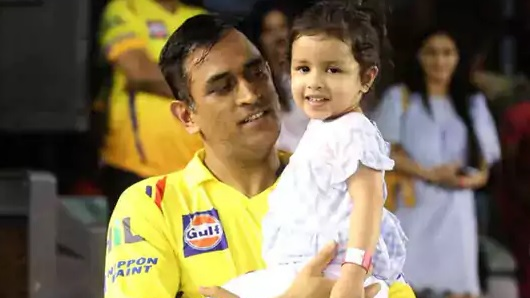 WATCH: The father-daughter duo of MS Dhoni and Ziva make the crowd go crazy