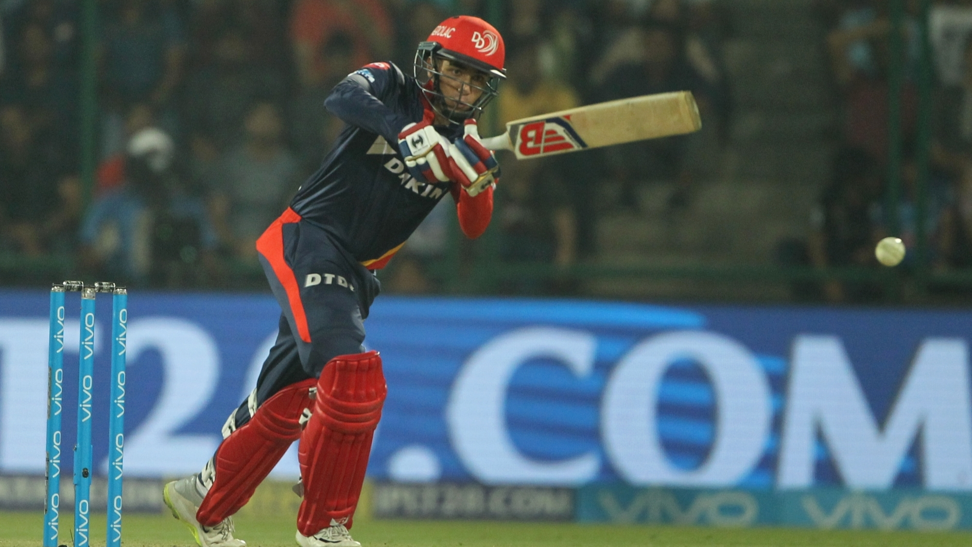 IPL 2018: Twitter reacts as Rishabh Pant and Abhishek Sharma's stupendous batting take DD to 181 against RCB