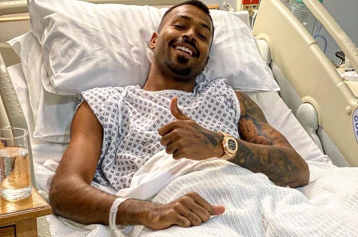 Hardik Pandya sports Rs. 80 lakh watch to the operating room for his lower back surgery | Twitter