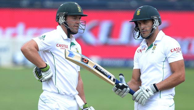 AB de Villiers scored 59 and added 95 with Faf du Plessis