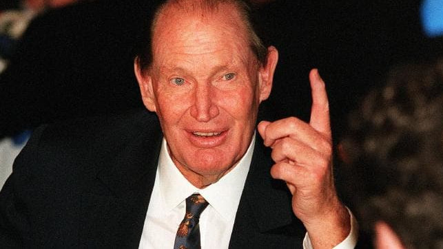 Book reveals how Kerry Packer captained the Australian team via telephone