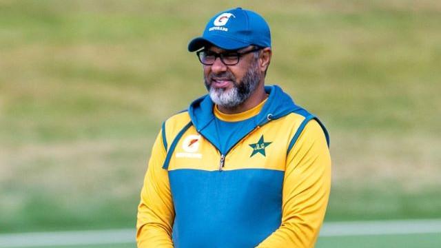 Waqar Younis, Pakistan bowling coach, to miss Zimbabwe tour due to wife's surgery
