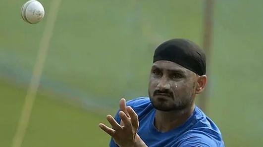 अगर ऐसा हुआ तो क्रिकेट में खत्म हो जाएगी गेंदबाज़ो की अहमियत, हरभजन सिंह का बड़ा बयान