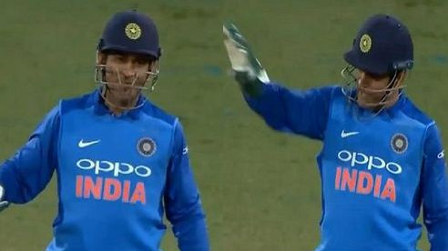 NZ v IND 2019: WATCH – MS Dhoni guides Kedar Jadhav from behind the stumps in must-watch clip