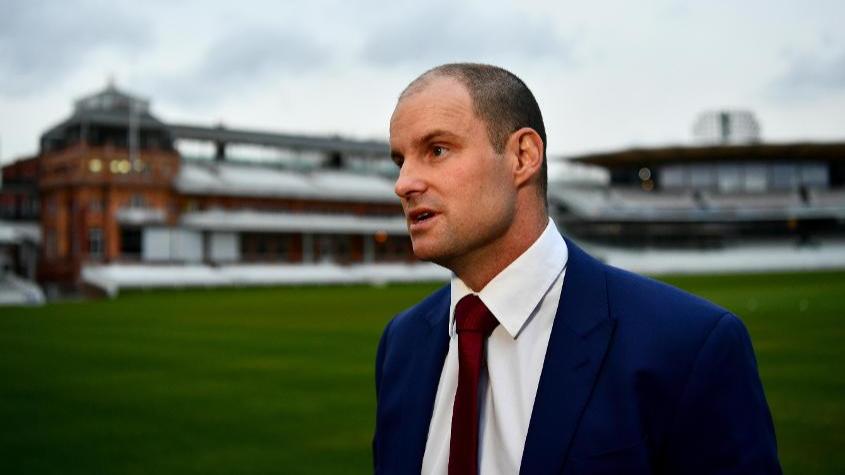 एंड्रयू स्ट्रॉस अस्थायी रूप से इंग्लैंड क्रिकेट की अपनी भूमिका से हो रहे हैं दूर