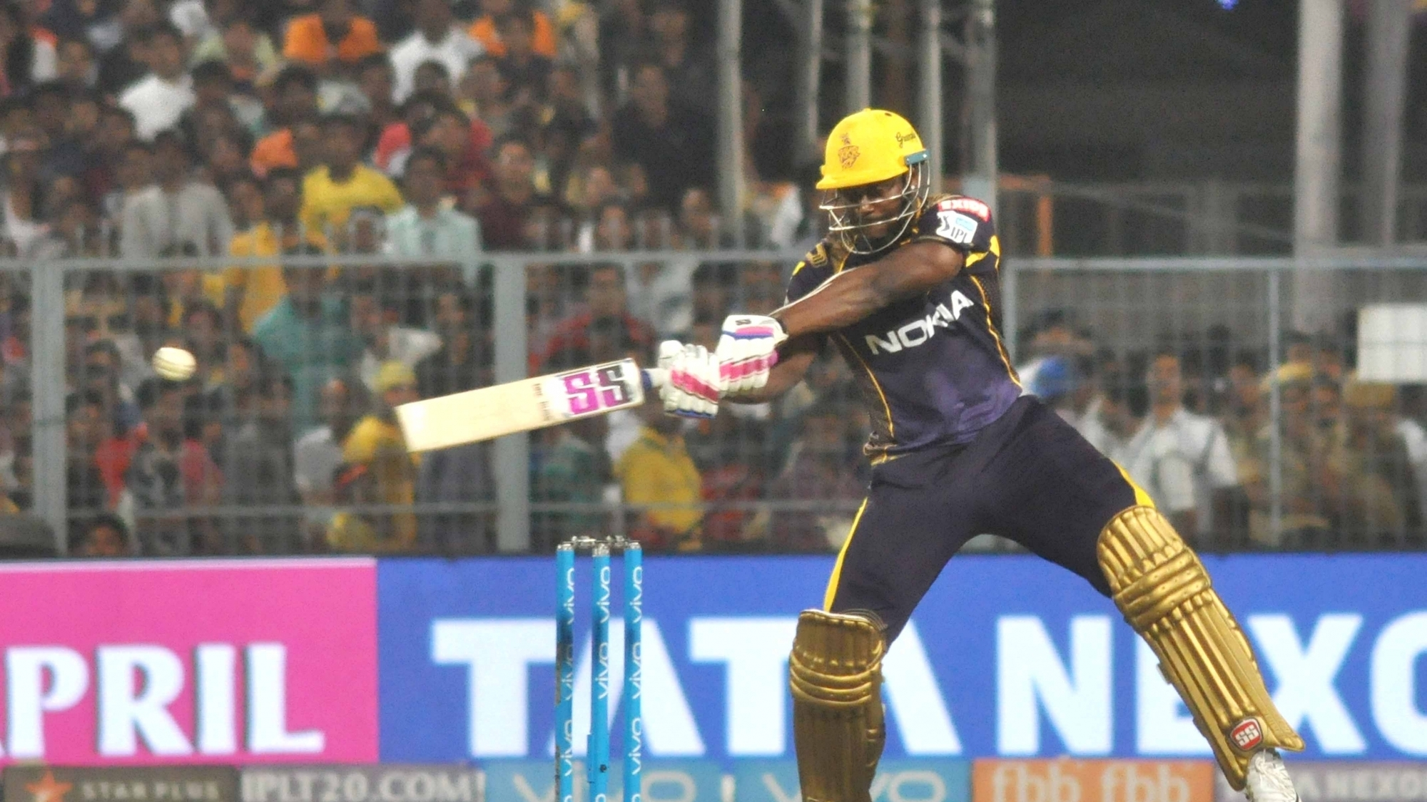 IPL 2018: Twitter reacts to Andre Russell's tornado that helped KKR to post 202