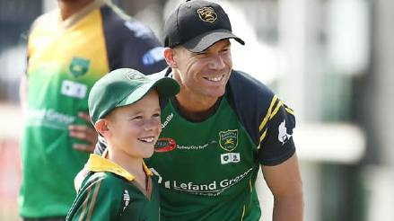 David Warner's nine-year-old fan Sam Williams enjoys a lifetime experience in Sydney