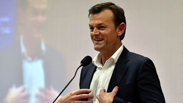 Adam Gilchrist steals a quote from Jacques Kallis to tweet about England's highest ODI total