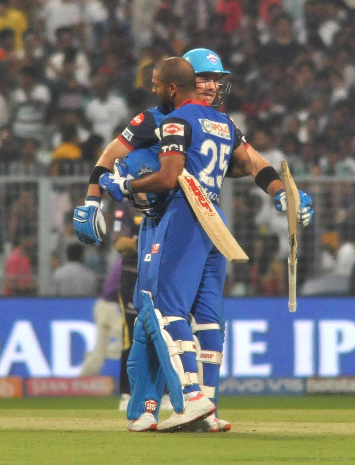 There was no love lost between Dhawan and Ingram as they hugged after Delhi Capitals' victory | IANS
