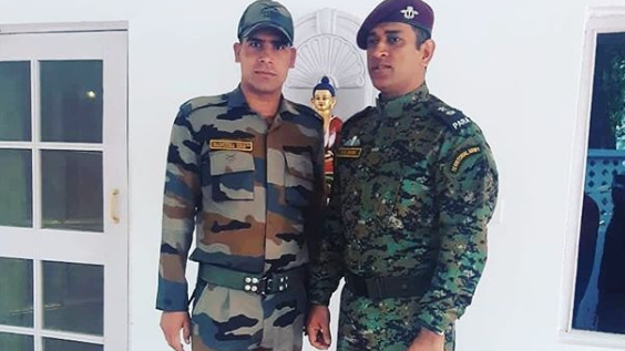 MS Dhoni's latest picture with a soldier surfaces on social media
