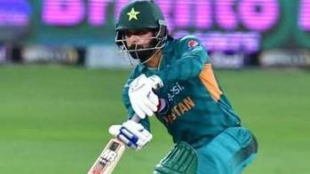 मोहम्मद हफीज बांग्लादेश प्रीमियर लीग के आगामी सीजन में राजशाही किंग्स के लिए खेलेंगे